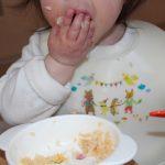 赤ちゃんが食べない時の対処法?食べることは楽しいと思わせる?