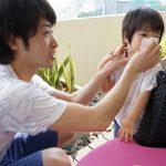 赤ちゃんの鼻水が止まらない原因と対処法? 受診の目安は?